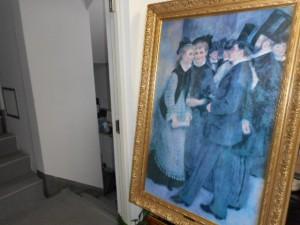 銀座書斎のドアーをノックして入室すると、フランスの印象派の画家、ピエール=オーギュスト・ルノワール(Pierre-Auguste Renoir, 1841-1919)が描いた巨大絵画が訪問者を迎えてくれます。