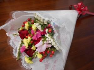 音楽鑑賞会当日、英会話道場イングリッシュヒルズ、英語道弟子課程弟子・M.U.さんから綺麗なお花をいただきました。